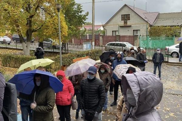 Cozi la secțiile de votare din s. Varnița