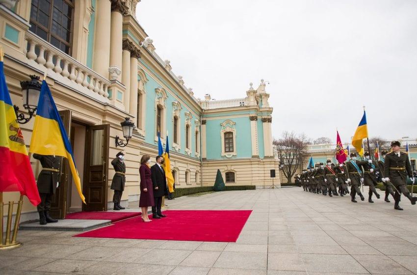"""Zelenski: """"Mă bucur că Maia Sandu nu se teme să spună că Crimeea e a Ucrainei"""""""