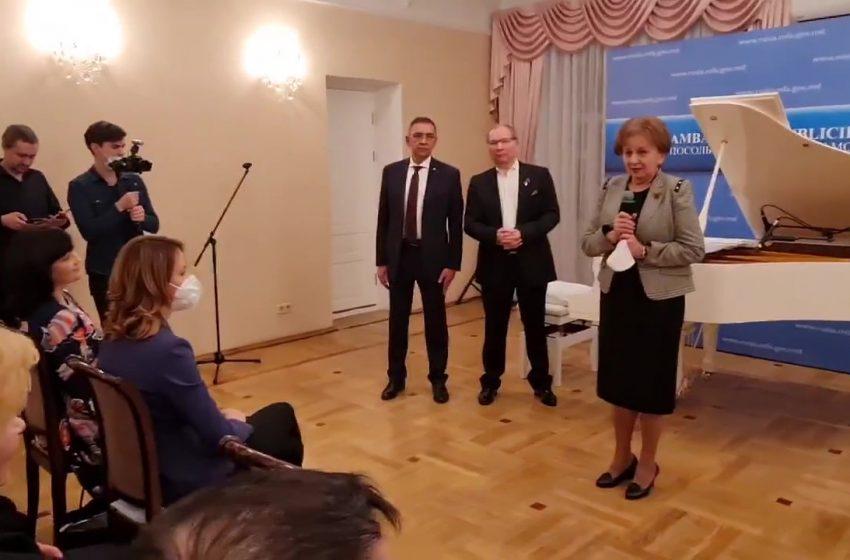 VIDEO. Cum a ajuns Olga Cebotari la recepția organizată de socialistul Glovatiuc la ambasada din Moscova