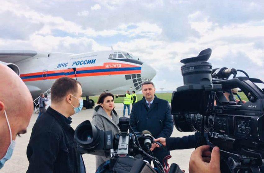 Rusia a pus pe picior de egalitate Moldova cu regiunea transnistreană. Boxe separate și exponenți ai regimului la ceremonia de întâmpinare