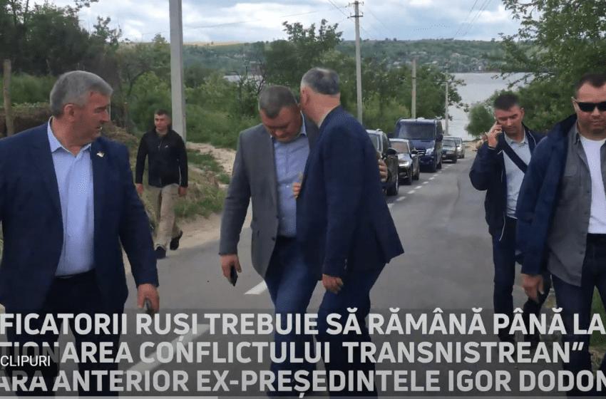 """VIDEO. Dodon a mers în stânga Nistrului unde în timpul mandatului său Tiraspolul a instalat 37 de posturi ilegale. """"Jos trădătorii!"""""""