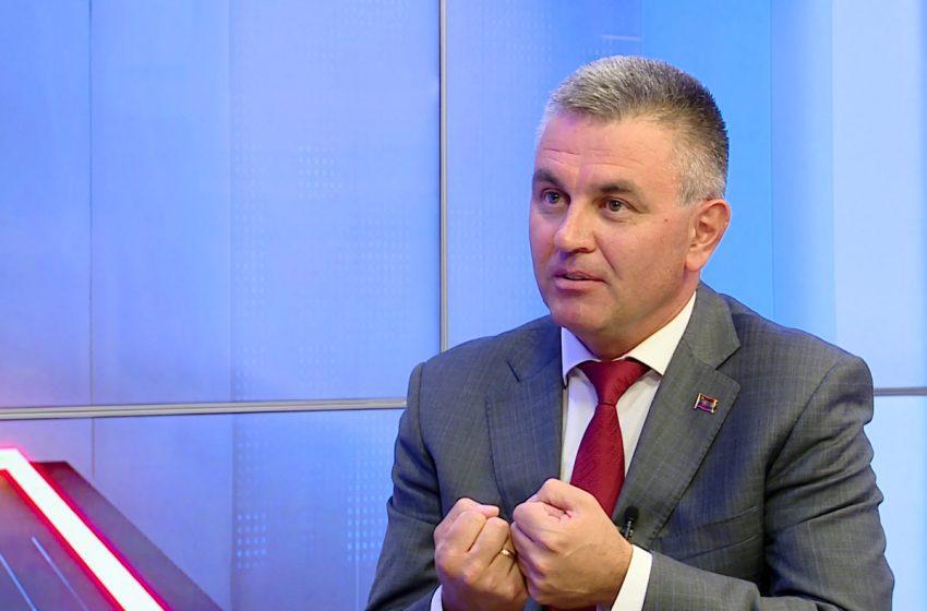 Krasnoselski a încercat de câteva ori să facă achiziții de vaccin, dar fără succes, acum promite 100 mii doze de Sinofarm