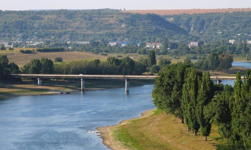 SONDAJ: Moldovenii văd regiunea transnistreană în componența Republicii Moldova