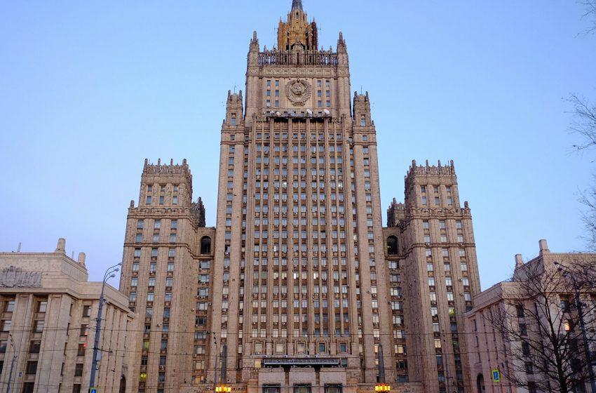 Rusia reacționează la obligația șoferilor din regiunea transnistreană de a avea numere neutre la trecerea frontierei cu Ucraina